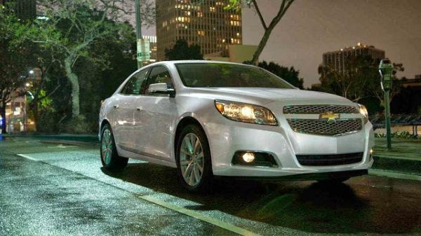2014-Chevrolet-Malibu-Facelift-23- (1)
