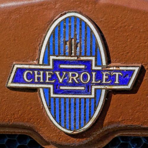 vintage-chevrolet-emblem-alan-hutchins