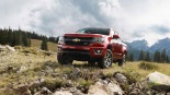 2016-Chevrolet-Colorado-On-Rocks